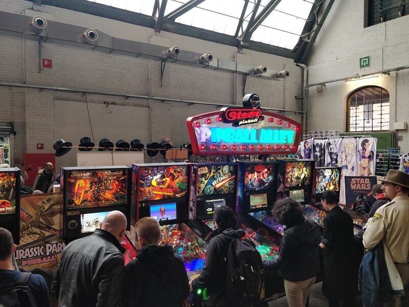 pinball machines comic con brussel