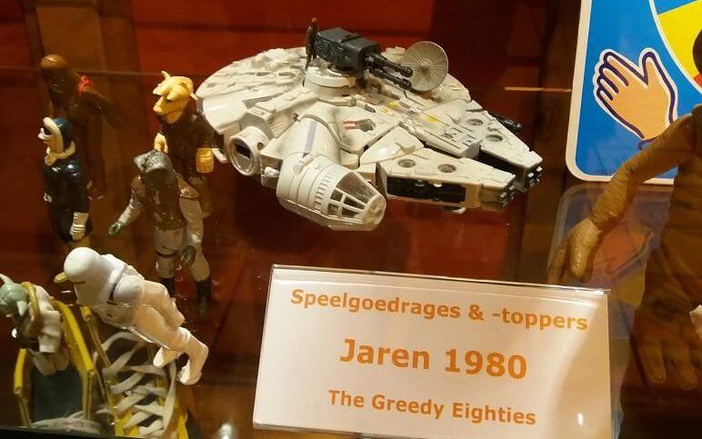 80ies toys Millenium Falcon